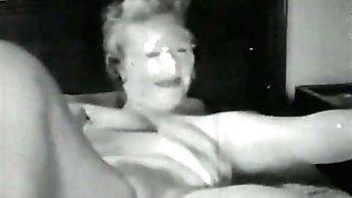 Madam Masturbates and Hungers Hook-up (1940s Antique)
