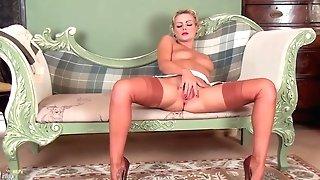 Ms Vanessa Scott - Antique Style 101